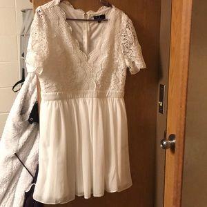 Super pretty white lacy dress